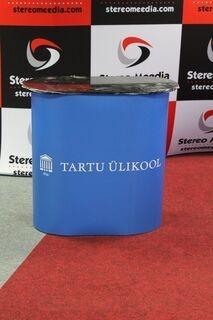 Pieni esittelypöytä Tartu Ülikool