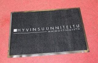 Logomatto Hyvinsuunniteltu 90x60cm
