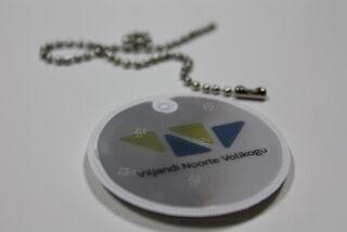 Logoga helkur Viljandi Gümnaasiumi Õpilasesinds
