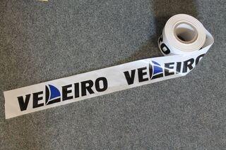 Huomionauha logolla Veleiro