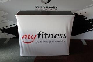MyFitness logoga esitluslaud